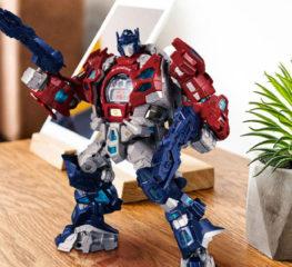 G-Shock x Transformers รุ่นพิเศษรวมร่างกับ Optimus Prime ฉลองครบรอบ 35 ปี