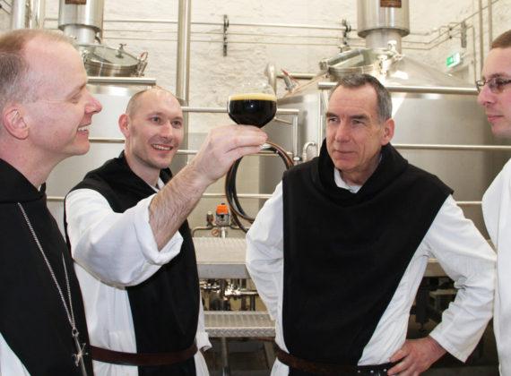 เบียร์รสนักบวชทำ : เมื่อการผลิตเบียร์และการบำเพ็ญภาวนาทางจิตเป็นส่วนหนึ่งของกันและกัน