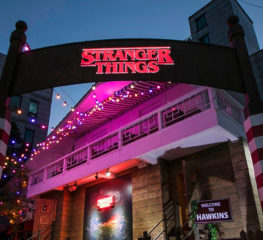 Stranger Things จะครองเมือง : เมื่อแลนด์มาร์คสำคัญทั่วโลกกำลังกลายเป็นเมือง Hawkins