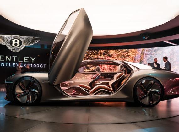 Bentley เผยนิยามใหม่ของความร่ำรวยด้วยระบบขับเคลื่อนด้วยไฟฟ้า และความคล่องตัวอันหรูหรา