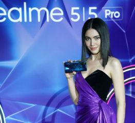 """เรียลมี ชวนคนรุ่นใหม่เปิดประสบการณ์ที่แตกต่างและกล้าที่จะออกนอกกรอบ กับสมาร์ทโฟนรุ่น """"realme 5"""" และ """"realme 5 Pro"""" ดีไซน์สุดแฟชั่นแบบโฮโลกราฟิก ไดมอนด์"""