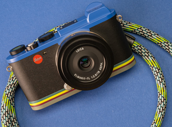 Leica CL รุ่น Paul Smith limited-edition