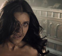 6 ฉากนู๊ดสุดเซ็กซี่ของ Anya Chalotra ในซีรีส์ The Witcher บน Netflix
