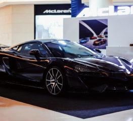 """""""McLaren Bangkok"""" เนรมิตอาณาจักรกลางกรุงเทพมหานคร เผยโฉมซูเปอร์คาร์รุ่นล่าสุด ตอกย้ำความเป็นผู้นำแห่งยนตกรรมสัญชาติอังกฤษ"""