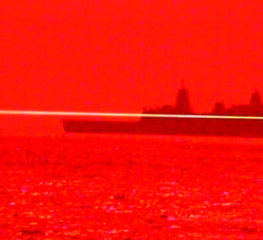 สหรัฐทดสอบการใช้เลเซอร์ในการจู่โจมเป็นอาวุธบนเรือ USS Portland