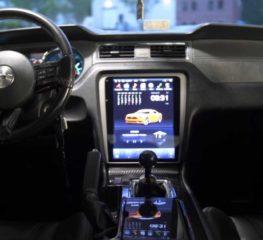 Ford Mustang GT 2013 แรงบันดาลใจจาก Tesla ติดหน้าจอคอนโซลกลางขนาดใหญ่สุดล้ำ