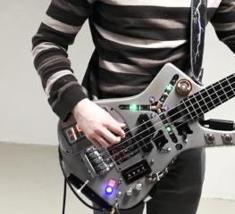Bass DeLorean Time Machine สุดเฟี้ยวที่พาคุณเจาะเวลาหาอดีต