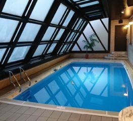 That Pool สระว่ายน้ำในตำนานที่หนุ่มไทยล้วนคุ้นเคยแม้ไปไม่เคยไปเยือน