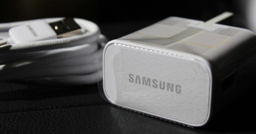 Samsung อาจไม่แถมที่ชาร์จและหูฟังกับรุ่นอื่นในอนาคต