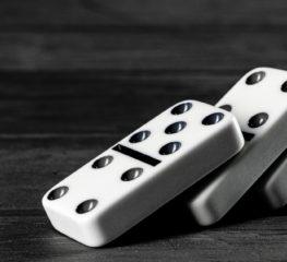 The Domino Effect หลักบันไดแห่งความสำเร็จที่ใครปีนขึ้นไปได้