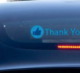 RoadWayve สื่อสารกับผู้ขับขี่รายอื่นบนท้องถนน